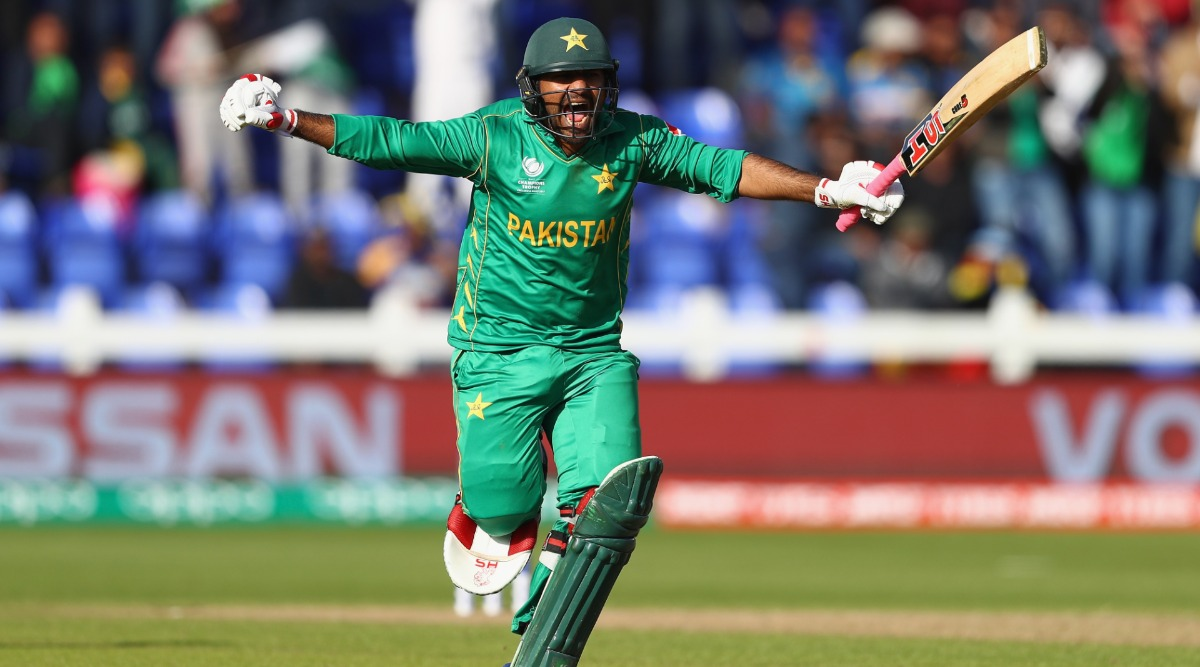 Sarfaraz Ahmed, Former Pakistan Captain to Auction Bat He Used During Victorious 2017 Champions Trophy Campaign to Help Financially Crunched Athletes