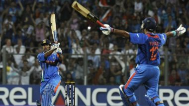 Netizens Hail MS Dhoni As They Relive the Last Six of India vs Sri Lanka World Cup 2011 Final (Watch Winning Moment Video)