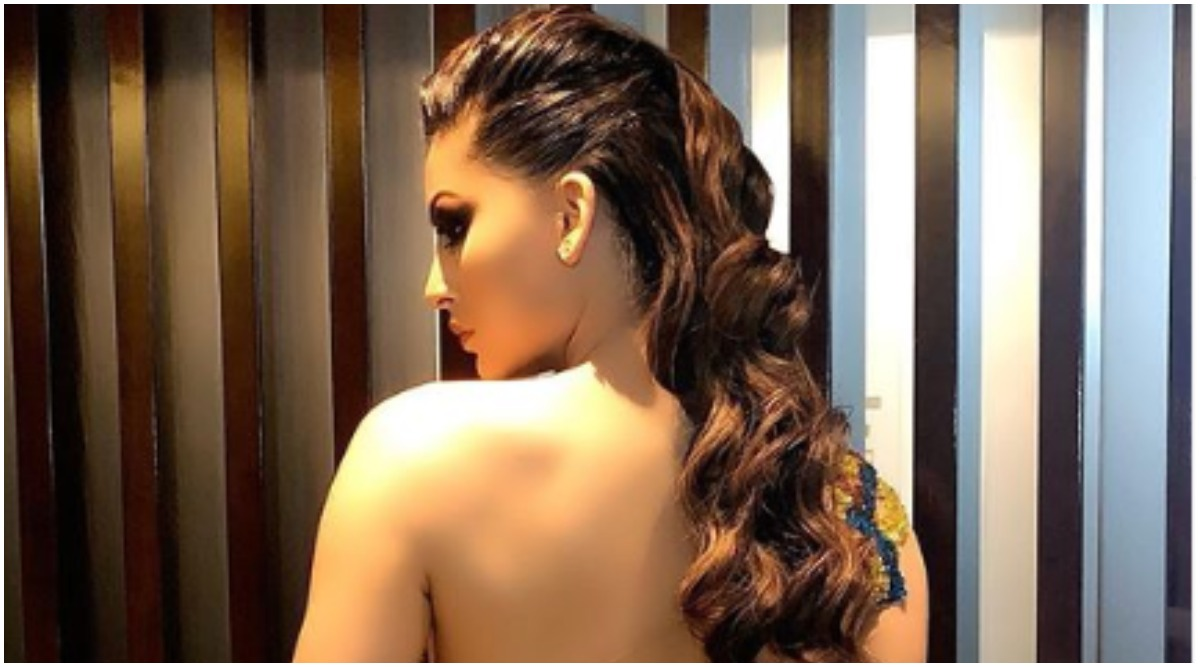 Urvashi Rautela Keeps Instagram Buzzing with Her Super Hot Throwback Picture