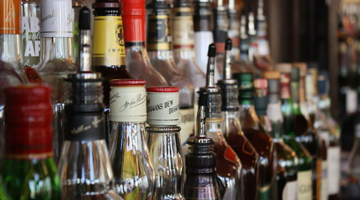 Foreign Liquor Sale Allowed in Uttar Pradesh Malls, UP Govt Approves  Excise Rules 2020