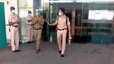 Mumbai Police Personnel Set to Join Duty After Recovering From Coronavirus, Receives Hero's Welcome; Watch Video