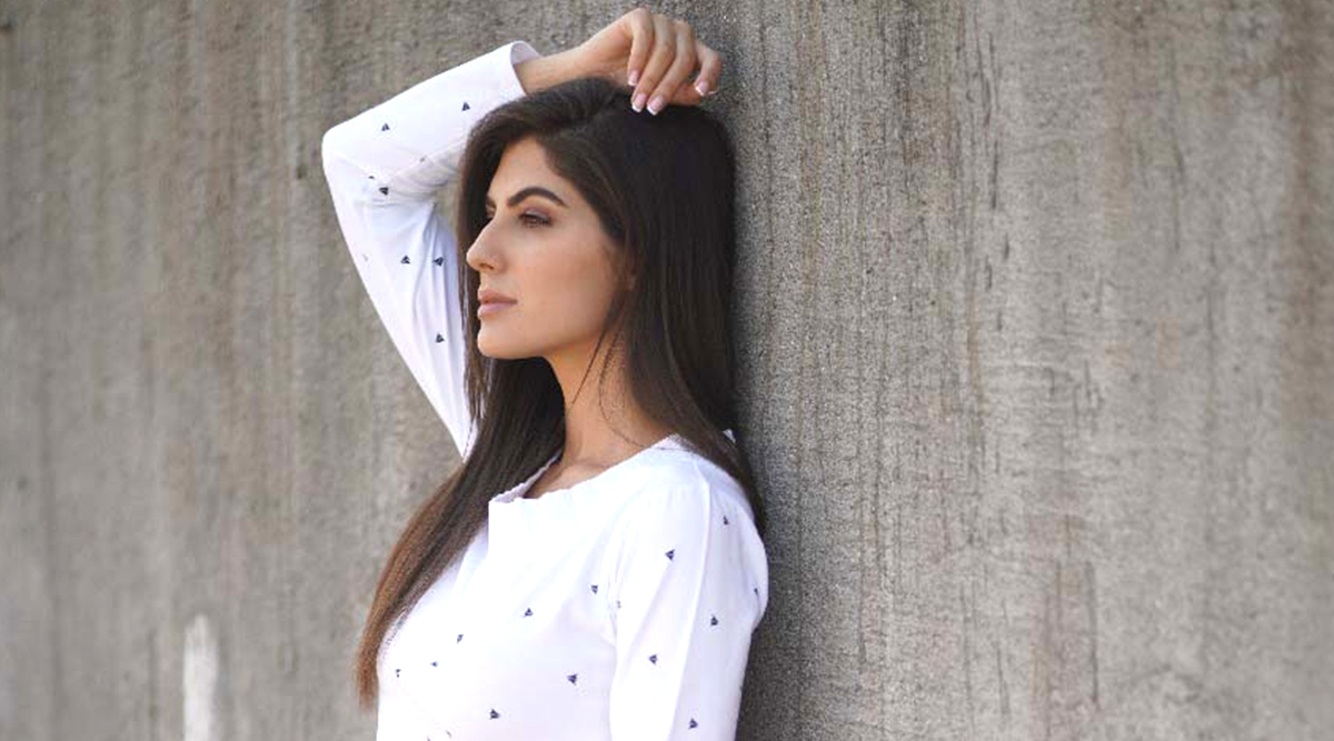 Elnaaz Norouzi Takes Up New York Film Academy's Online Acting Course Amid COVID-19 Lockdown