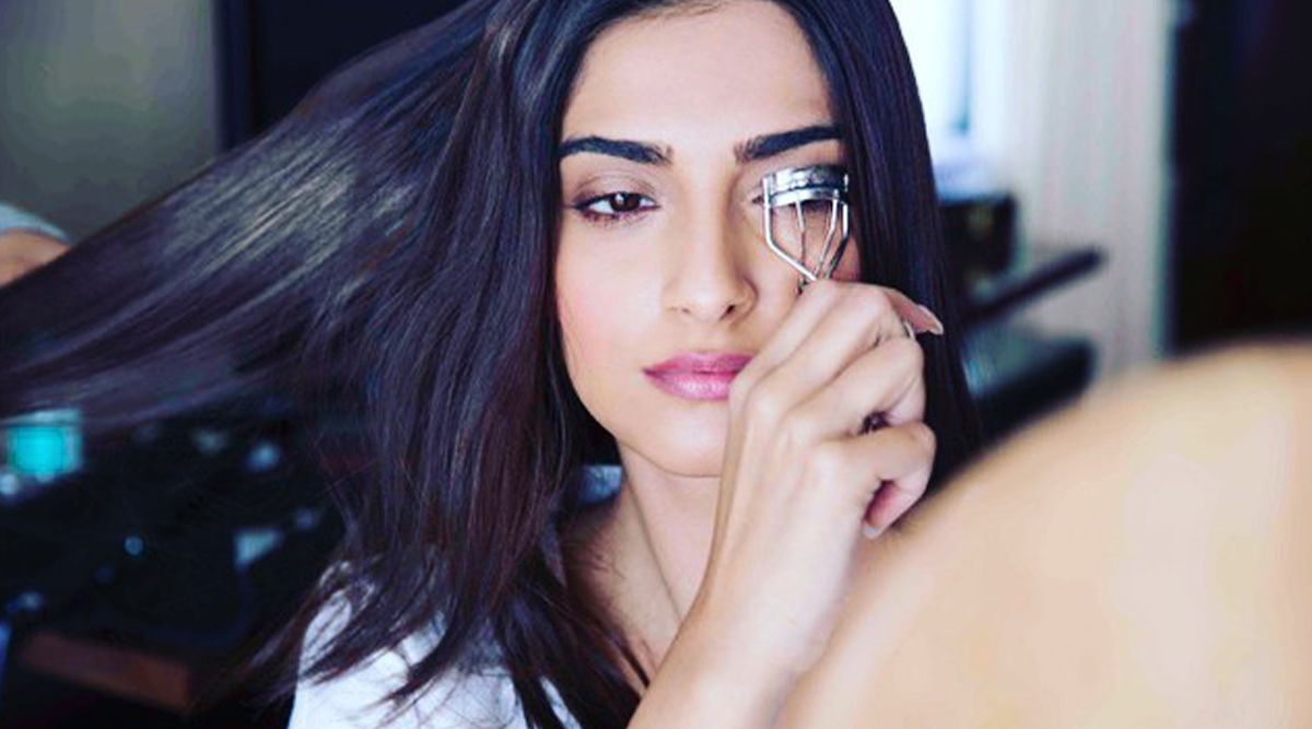 Sonam Kapoor Feels Curling Eyelashes Is an 'Impossible Task' (View Pic)