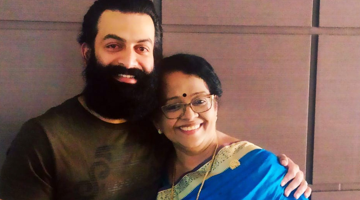 Prithviraj's Mother Mallika Sukumaran Gets Rescued by Fire Forces From Flooded House in Thiruvananthapuram