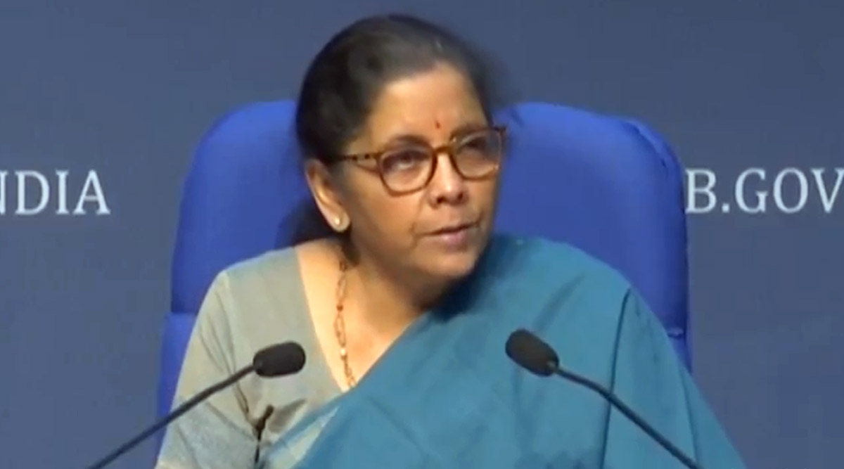 FM Nirmala Sitharaman Meets PSU Bank Chiefs, Ask Them to Implement 'Aatmanirbhar' Relief Package to Revive COVID-19-Hit Economy