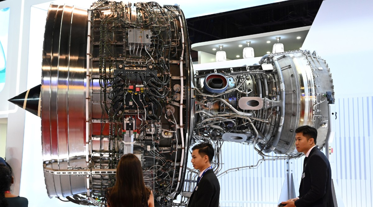 Rolls-Royce, UK Plane Engine-Maker, Cuts 9,000 Jobs As