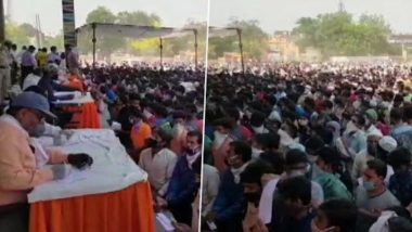 Ghaziabad: Thousands of Migrant Workers Gather at Ramlila Ground to Register For 3 Shramik Trains Scheduled to Leave For UP Today, Watch Video