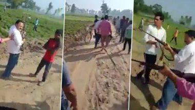 UP Shocker: Samajwadi Party Leader Shares Video Alleging Two Party Leaders, Chhote Lal Diwakar And His Son, Shot Dead on Camera by Goons