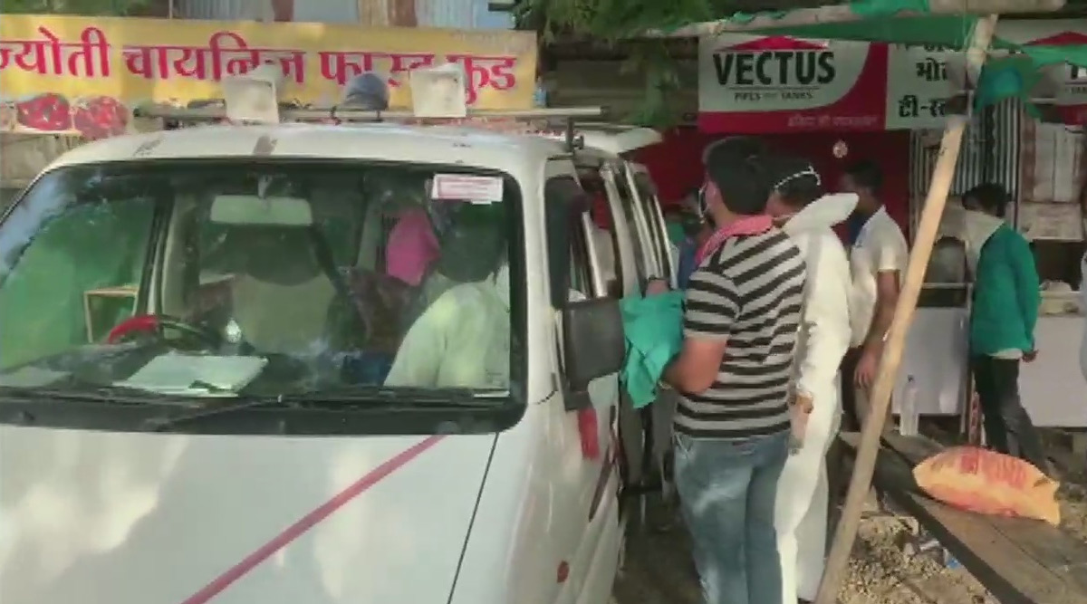 Pregnant Woman Gives Birth on Board Bus While Travelling From Maharashtra to Uttar Pradesh