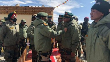 Indian Army Chief General Manoj Mukund Naravane Awards Commendation Cards to Soldiers Who Faced Chinese Soldiers in Galwan Valley Clash in Ladakh
