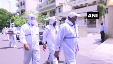 CBI Officials Wearing Complete PPE Kits Raid Premises of Ratul, Deepak Puri's And  Moser Baer Solar Ltd in Rs 780 Crore Bank Fraud Case