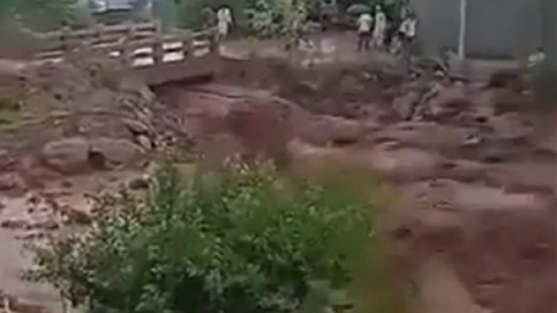 Jammu and Kashmir: Flash-Floods Triggered by Cloud Burst Damage Houses, Washes Away Vehicles in Poonch