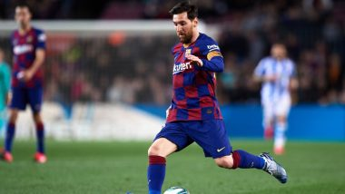 Lionel Messi Ignores Instructions by Barcelona Assistant Coach Eder Sarabia During La Liga 2019-20 Match Against Celta Vigo (Watch Video)