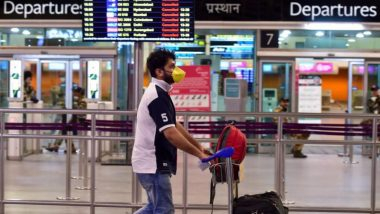 Karnataka Issues Revised Guidelines For International Returnees, Asks Passengers to Follow Physical Distancing While Deboarding
