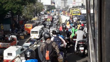 Mumbai Traffic Update: Heavy Congestion Seen in Dahisar, Kandivali, Sion & Other Parts as Mumbai Police Begin Checking For People Moving Beyond 2-km Radius From Their Homes