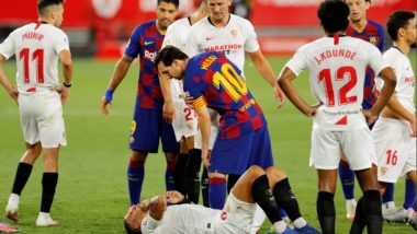 Lionel Messi Avoids Red Card After Pushing Diego Carlos During Sevilla vs Barcelona, Leaves Fans Baffled (Watch Video)