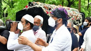 Jagdeep Funeral: Sons Naved, Jaaved Jaaferi Along With Johnny Lever Pay Last Rites of Late Actor at Mumbai's Mazgaon Cemetery