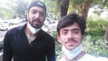 Fan Takes Selfie With Haris Rauf, Later Realises Pakistan Bowler is Coronavirus Positive; Though Pacer Has Tested Negative Now