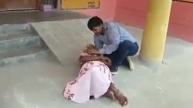 UP: Hardoi Woman Dies Waiting Outside Medical Facility, Son Seen in Video Pleading for Help