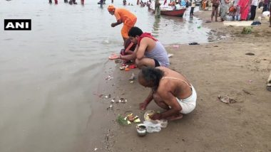 Guru Purnima 2020: Devotees Gather, Take Holy Dips at Sangam Ghat in Uttar Pradesh