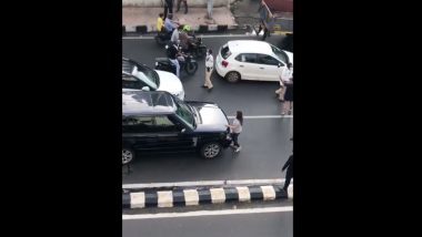 Mumbai Couple's Fight on Street Gets Dramatic in the Middle of Road as Wife Climbs Husband's Car, Video Gets Viral