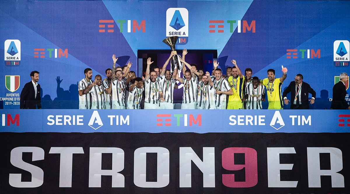Cristiano Ronaldo And Juventus Lift Serie A 2019 20 Trophy Here S How Bianconeri Players Celebrated Ninth Consecutive Title See Photos And Videos Latestly
