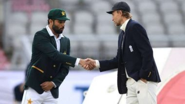 Azhar Ali Forgets About Social Distancing Norms, Shakes Hand With Joe Root After Toss in England vs Pakistan 1st Test