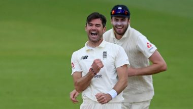 James Anderson Becomes Fourth Bowler to Take 600 Wickets in Tests, ICC & Netizens Hail English Pacer (Watch Video)
