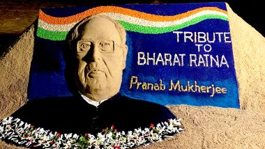 Rest in Peace, Pranab Mukherjee: Sudarsan Pattnaik's Tribute to the Bharat Ratna Awardee Captures Nation's Emotion About the Former President's Demise (View Pic of Sand Art)