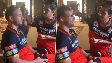 AB de Villiers Gets 'Touch-Up' from RCB Teammate Yuzvendra Chahal Ahead of IPL 2020 (Watch Video)
