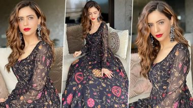 Aamna Sharif Has That Dark Florals, Bold Red Lips and a Seriously Sensational Vibe Going On!