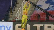 Faf Du Plessis' Sensational Fielding Effort to Dismiss Devdutt Padikkal During RCB vs CSK Clash in IPL 2020 Earns Netizens Praise (Watch Video)
