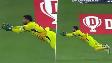 MS Dhoni Takes Stunning Catch to Dismiss Shreyas Iyer in Dream11 IPL 2020, Fans Heap Praises on CSK Captain (See Reactions)