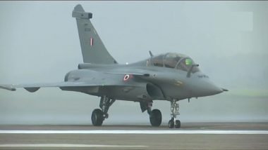 Rafale Jets Conduct 'Familiarisation' Sorties Over Ladakh Amid Standoff With China Along LAC (Watch Video)