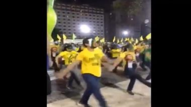 Brazil Independence Day 2020 Celebrations: Hundreds Dance Maskless on Street in Rio de Janerio; Social Distancing Norms Go For a Toss