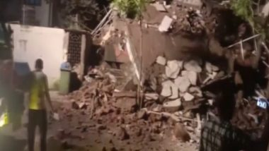 Uttar Pradesh Tragedy: 17 Killed After Crematorium Slab Collapses on People Attending Funeral in Ghaziabad, Several Trapped