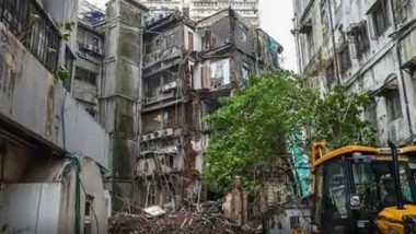 Mumbai Building Collapse: Parts of Multi-Storeyed Building Collapses at ST Building Chowk in Dongri, 6 People Safely Rescued