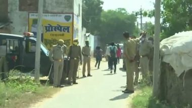 Hathras Gangrape: Media Allowed to Enter Victim's Village, SDM Denies Reports of Kin's Mobile Phones Having Been Confiscated