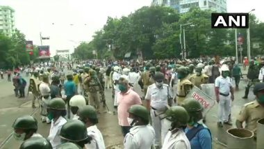 Defying COVID-19 Regulations, BJP Workers Take Over Streets of Kolkata-Howrah During 'March to Nabanna', Face Police Crackdown