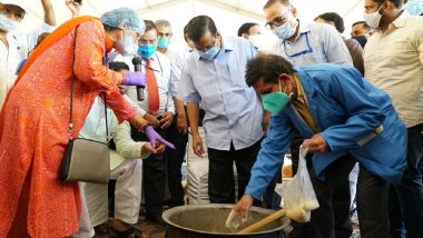 Delhi CM Arvind Kejriwal Reviews Preparation of Fermented Liquid to be Used to Curb Stubble Burning