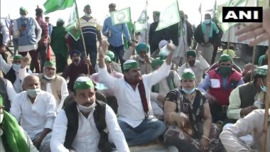 Farmers Protest: Toilets a Major Challenge For Farmers at Protest Sites; Local Residents, Fuel Station Owners, Hospitals & Others Extend Help