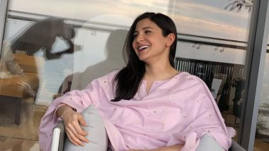 See Anushka Sharma Smiling in the Pic? Read the Caption and You'll Chuckle as Well