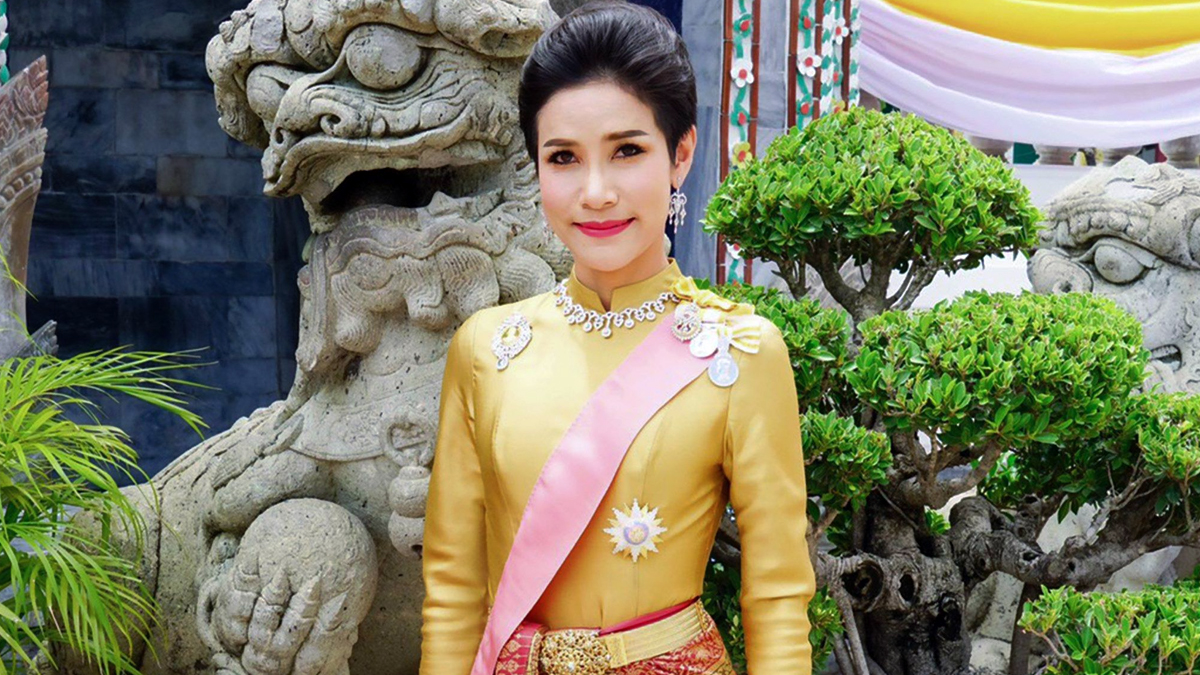 Thailand Kings Mistress Naked Photos Leaked Online in