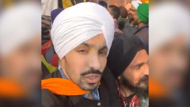 Farmers' Tractor Rally: Deep Sidhu, Who Was Part of Group That Hoisted Religious Flag From Ramparts of Red Fort in Delhi, is Affiliated With BJP, Allege Congress And AAP (Watch Video)