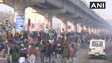 Farmers Cross Tikri Border, Break Barricades Set Up By Delhi Police As Tractor Rally Enters Delhi on Republic Day 2021 (Watch Video)