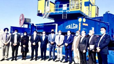 India Hands Over Mobile Harbour Cranes to Chabahar Port Authorities in Iran
