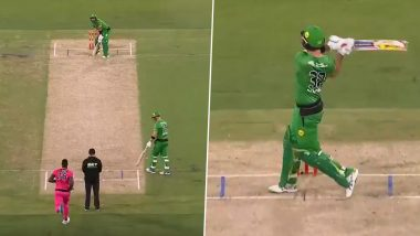Glenn Maxwell's Absurd Shot During Melbourne Stars vs Sydney Sixers Clash in BBL 2020–21 Will Leave You in Awe (Watch Video)