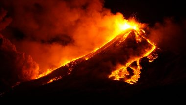 Mount Etna Volcano in Italy Erupts Spewing Out Hot Lava and Ash, Pics and Videos of Red Lava Streams From Europe's Largest Active Volcano Look Spectacularly Scary!