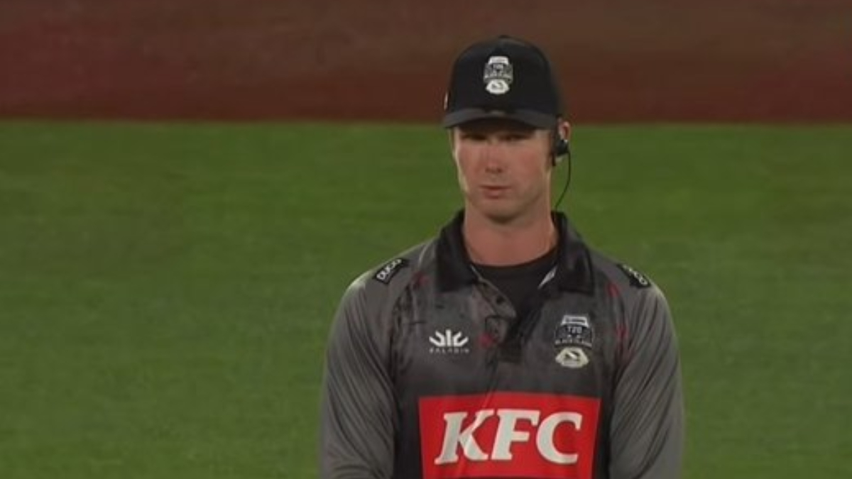Jimmy Neesham Turns Umpire for T20 Black Clash 2021, Watch Team Cricket vs  Team Rugby Video Highlights - Reportr Door