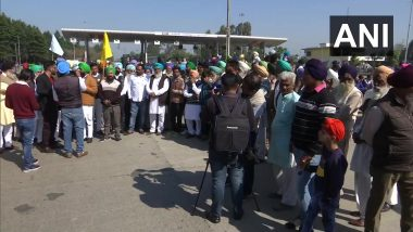 Chakka Jam: Farmers in Punjab, Haryana Block National, State Highways in Protest Against Centre's Farm Laws